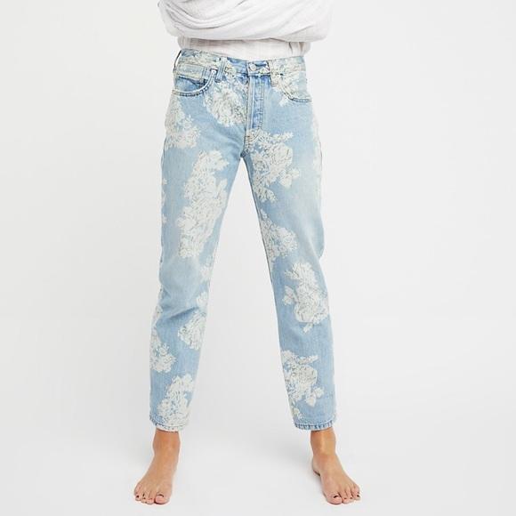 06424d521f1 Free People Boyfriend Denim Jeans White Floral